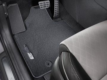 Genuine Carpet Mats With GT Line Logo - Kia Sportage GT line sept 2018-2020 image 1